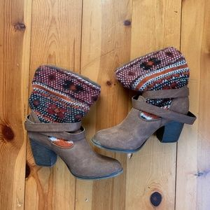 Women's Patterned Brown Boots